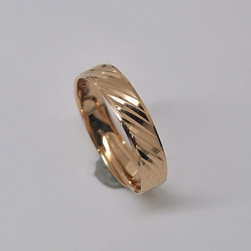 fashionable10k-yellow-gold-wedding-ring